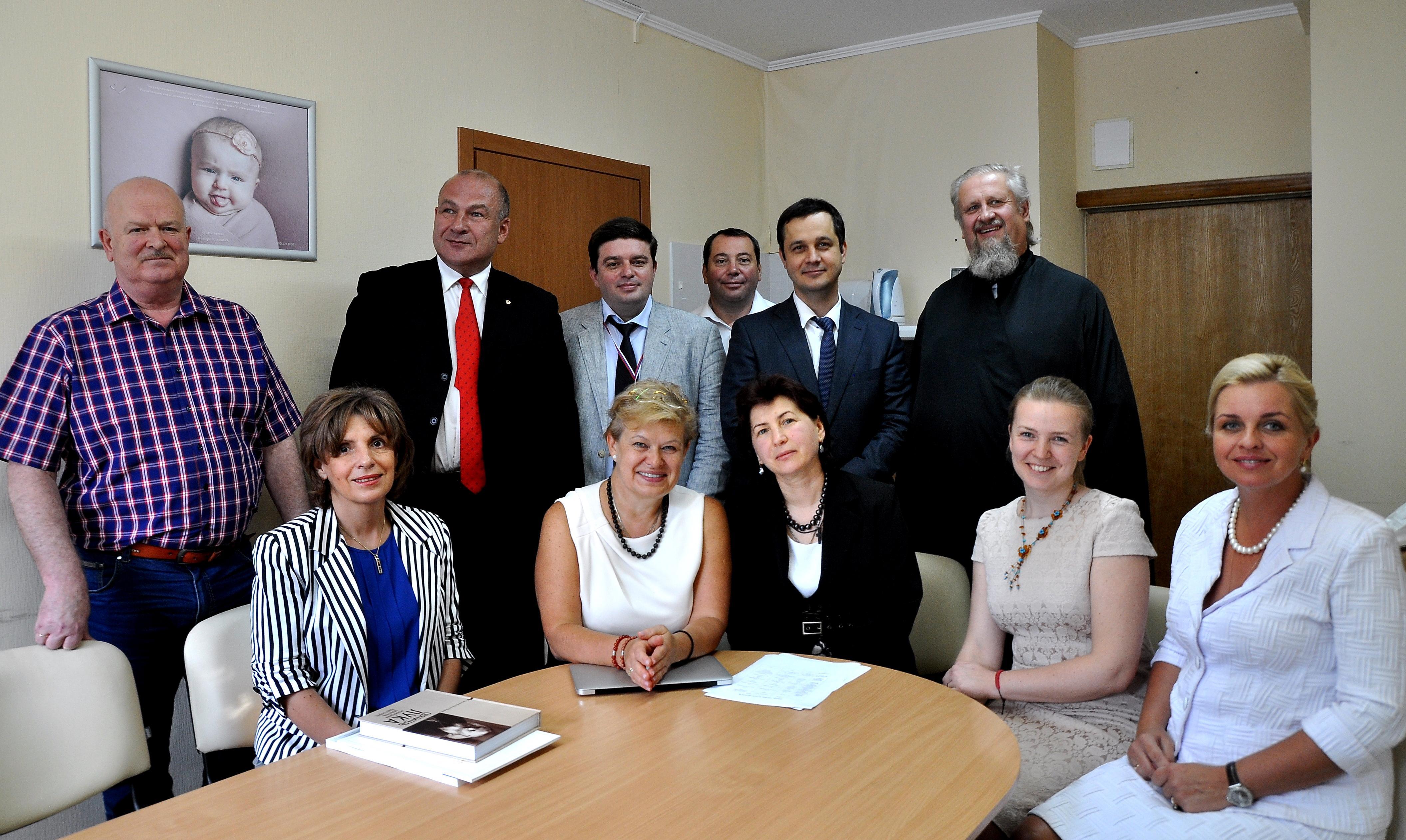 В Симферополе стартовал первый этап образовательной программы для специалистов мультидисциплинарных бригад РСЦ и ПСО